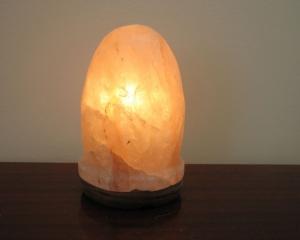 Соляные лампы советуют больным ангиной и бронхитом