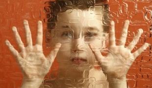Как распознать аутизм у малыша