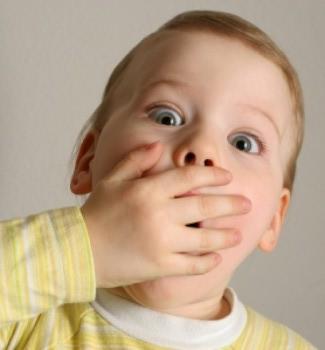 Запах ацетону з рота у дитини – що це означає?