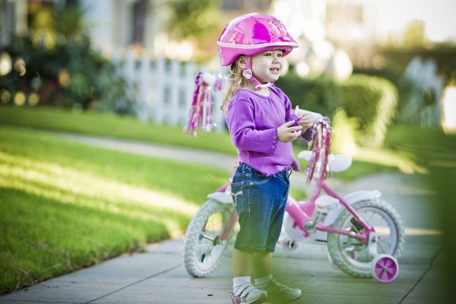 Безпека дитини при їзді на велосипеді