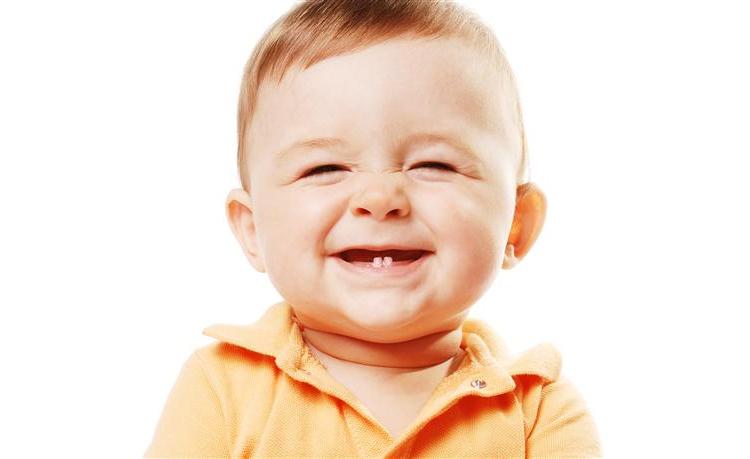 Чому потрібно лікувати молочні зубки. Профілактика карієсу у дітей.