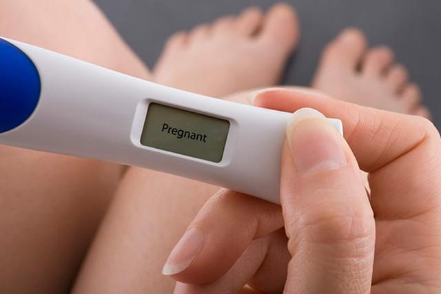 Тест на вагітність: коли і як проводити?