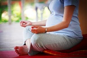 Йога для вагітних - яка від неї користь?