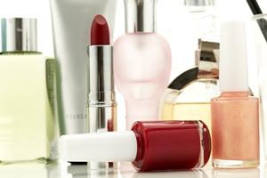Небезпечна краса: шкідливі речовини в косметиці