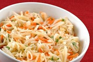 Салат з моркви та яблук