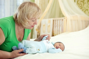 Допомога бабусі в післяпологовому періоді - за і проти