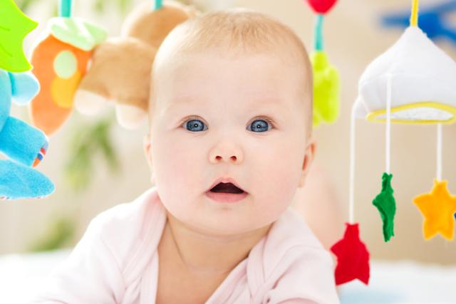 Розвиток дитини та іграшки