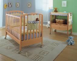 Спальне місце новонародженого – а яке воно?