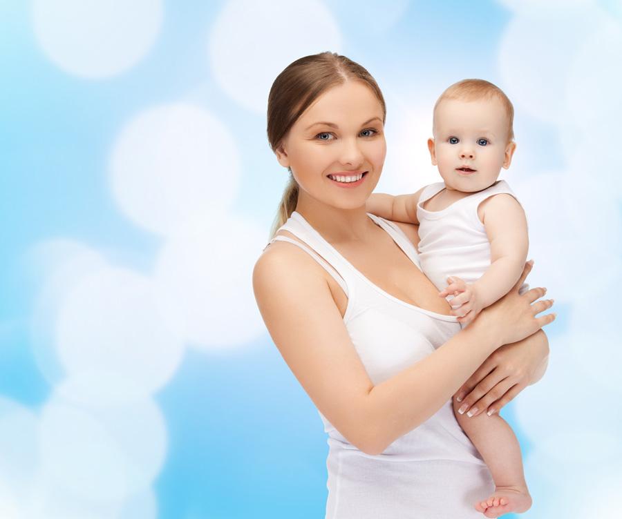 Загартовування дитини до року