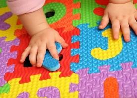 Ранній розвиток дитини: плюси і мінуси