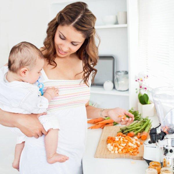 Харчування годуючої мами – що дозволено, що потрібно, а що заборонено