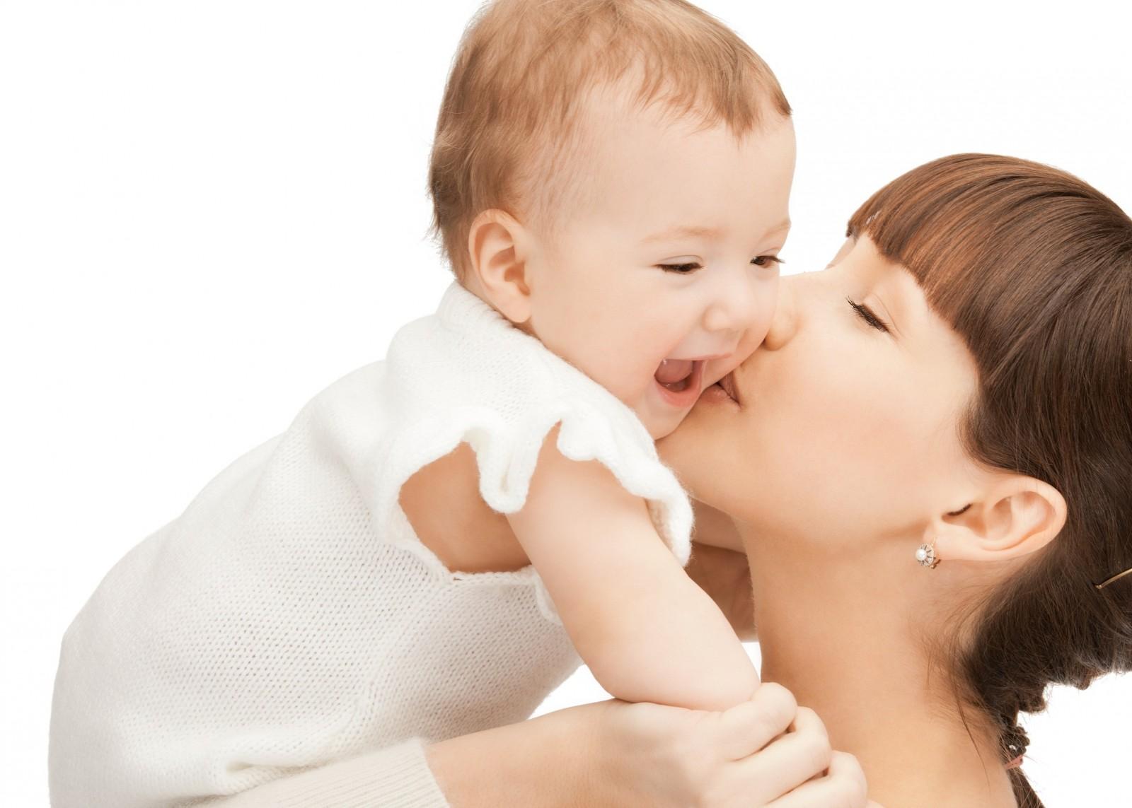 Немовля плаче, як зрозуміти причину дитячого плачу?