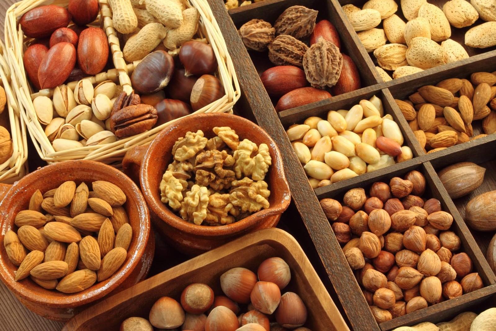Користь від горіхів для дитячого організму