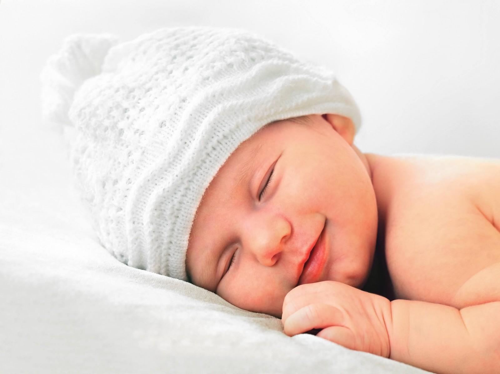 Дитяча подушка. Як обрати, з якого віку використовувати?