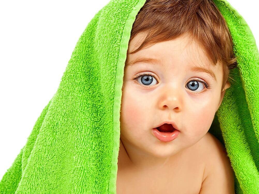 Запах ацетона изо рта у ребенка – что это означает?