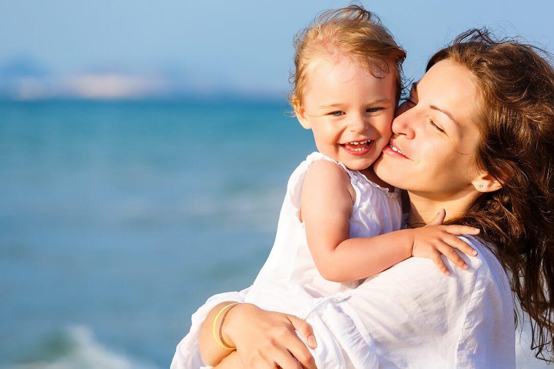 Що брати на пляж, якщо відпочиваєте з дитиною?