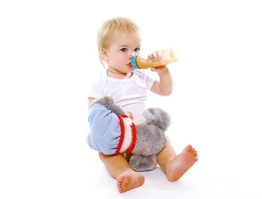 Як правильно приготувати штучну суміш для дитини