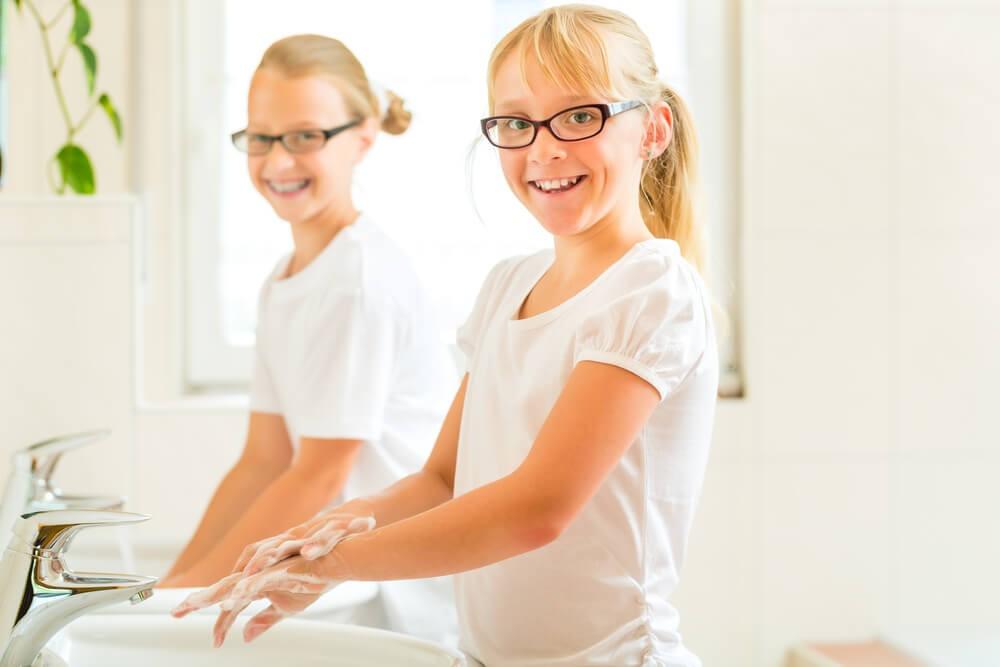 Як навчити дітей правильно мити руки?