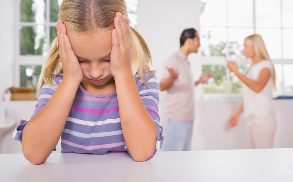 Чому не можна сваритися при дітях?