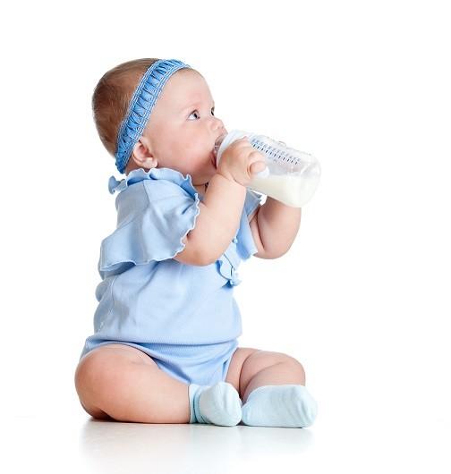Особливості харчування дітей першого року життя